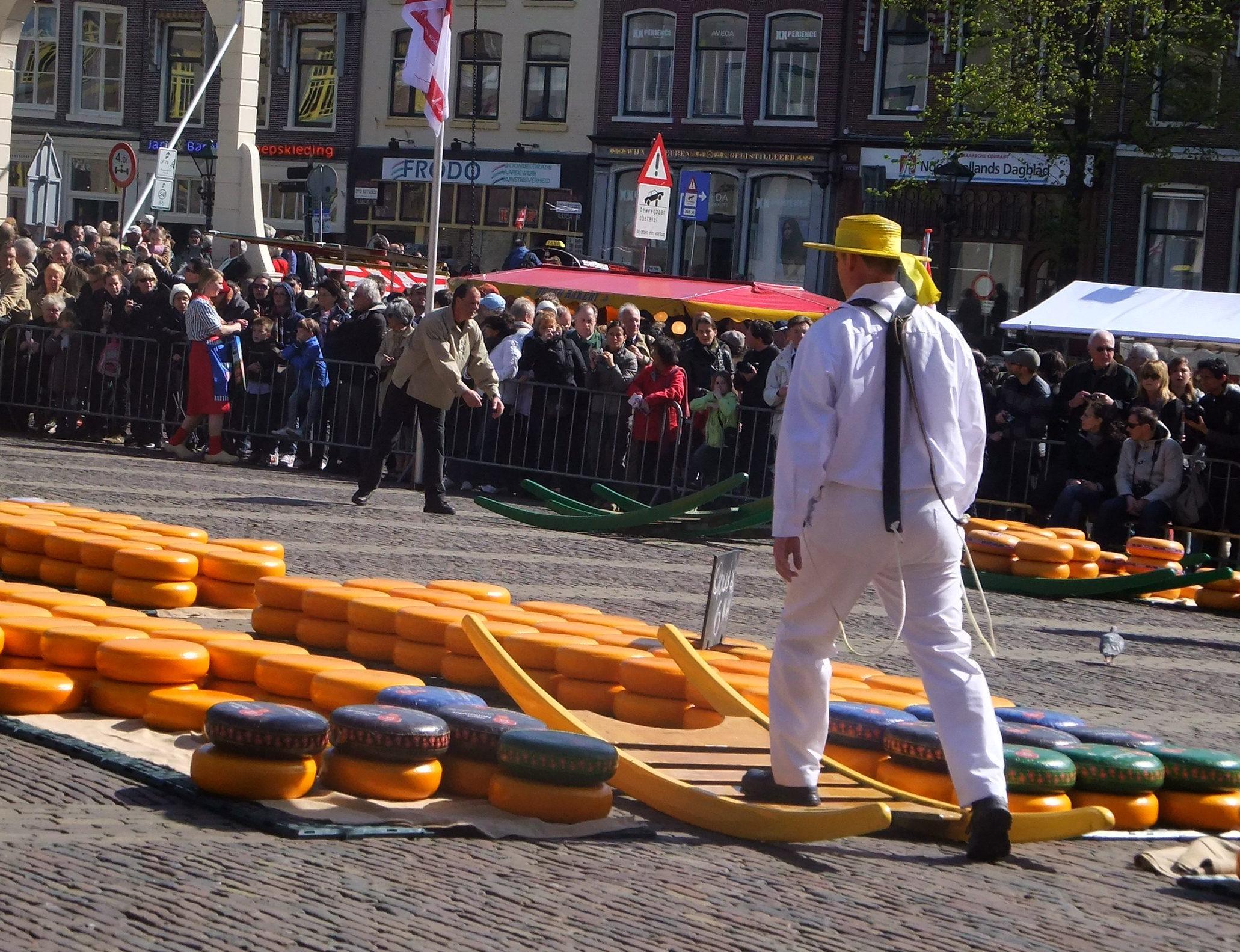 オランダ伝統のチーズマーケット「Kaasmarkt 」