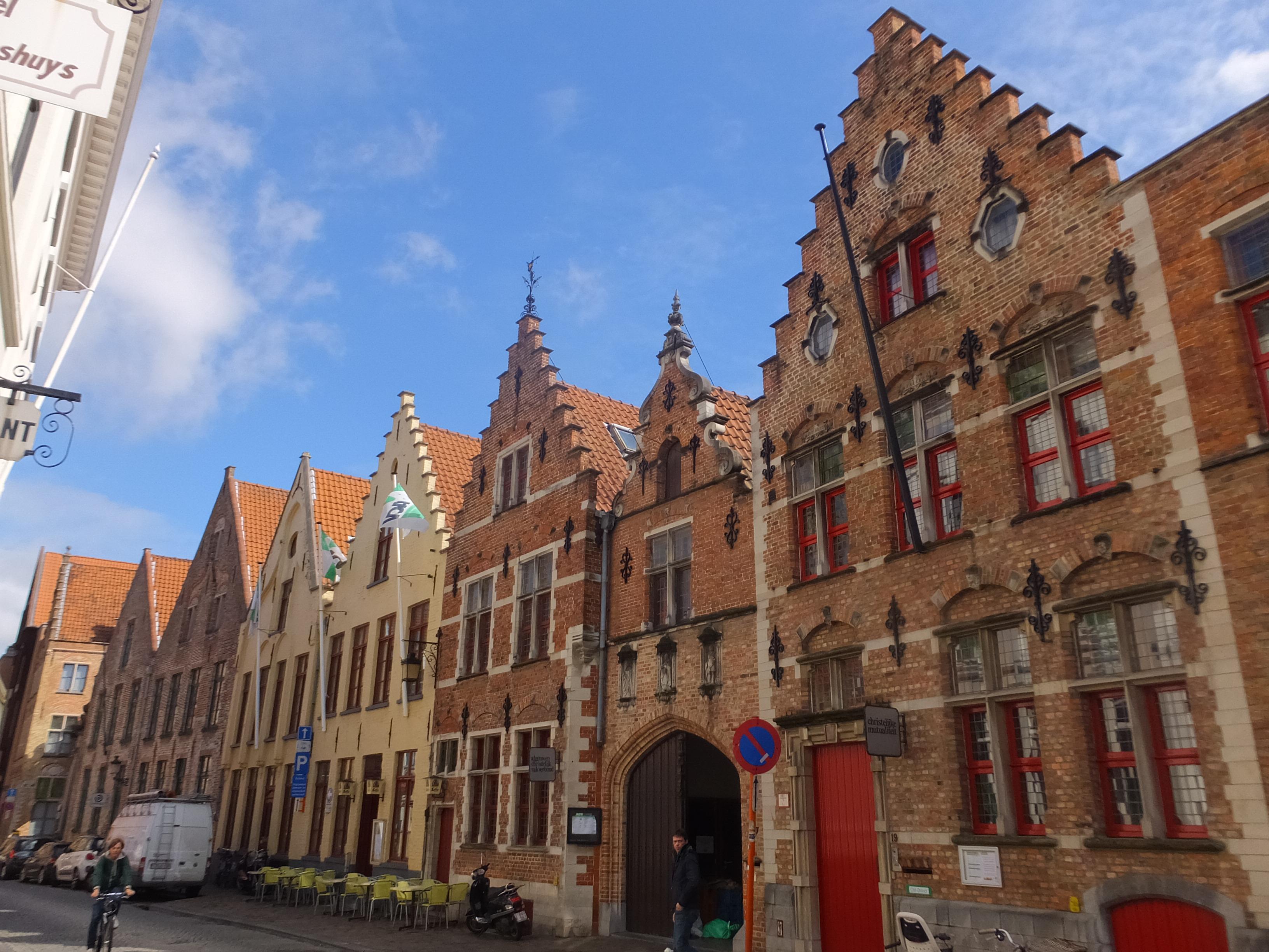 オランダからブルージュへ小旅行②「マルクト広場&鐘楼」